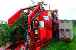 Erntemaschine fur Saurkirchen und Pflaumen